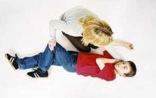 Фебрильные судороги: причины, сопутствующие симптомы, лечение